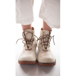 shoes Bojangles in Chalk