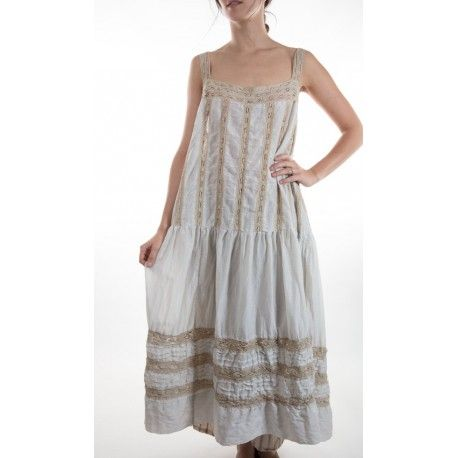 dress Amaia in Moonlight