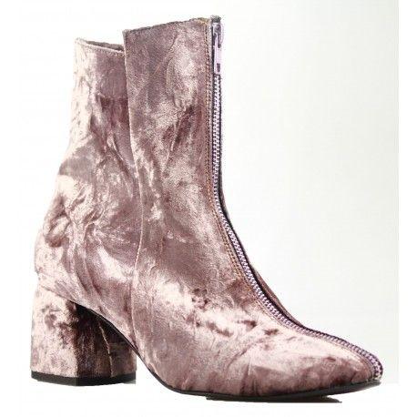 boots RUMI in pink velvet