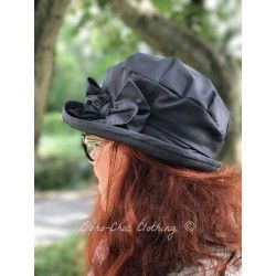 hat DOROTHY in dark grey