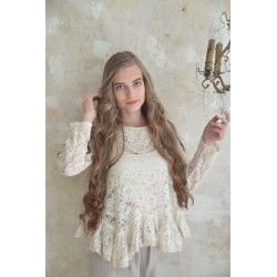 blouse Pure glory in Cream Lace