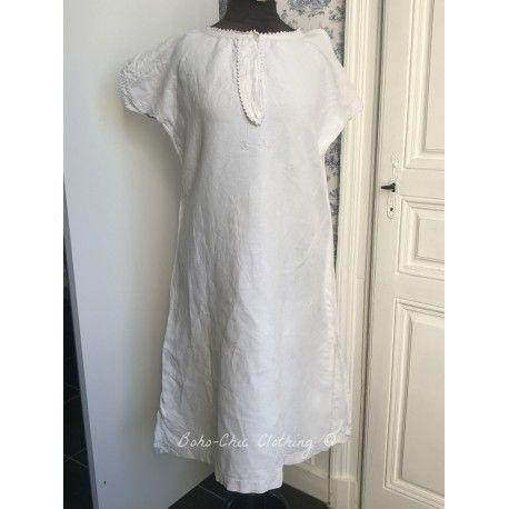 Robe ancienne  en lin avec monogramme A.C