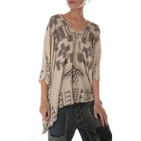 pull Native American Graphic Cropped Veda in Moonlight