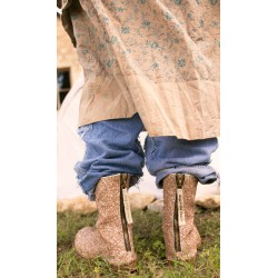 boots Glitter Pavlova in Comet