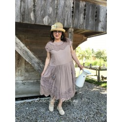 dress Henri in La vie en Rose