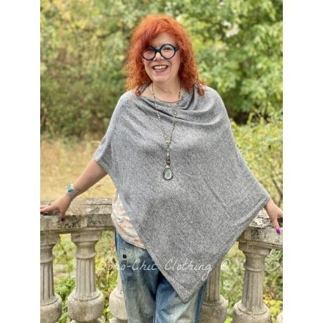 poncho Handmade Cashmere in Light Gray