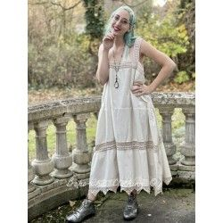 robe Carlyna in Antique White
