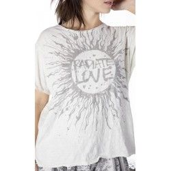 T-shirt Radiate Love in Moonlight