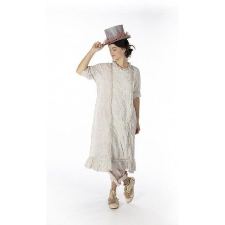 robe Queen Nellie in Rani