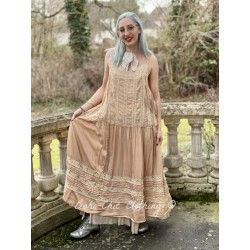 robe Amaia in Cameo