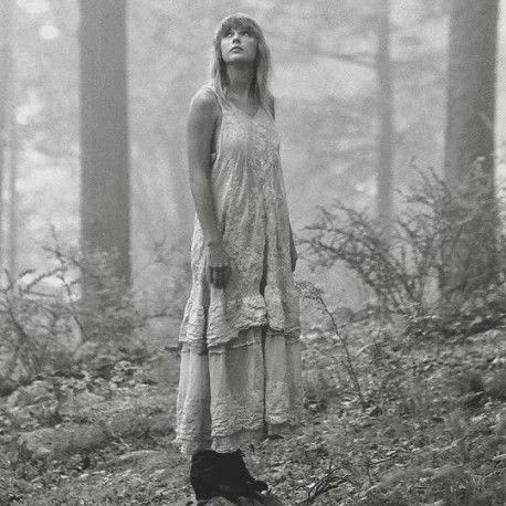 robe Livia in Moonlight