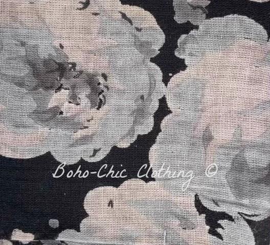 Noir à fleurs